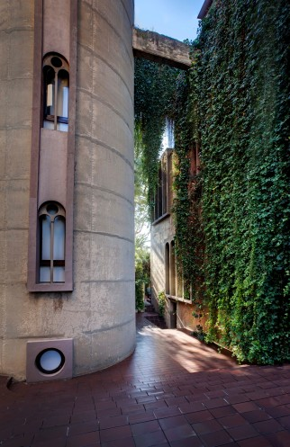 Ricardo_Bofill_Taller_Arquitectura_SantJustDesvern_Barcelona_Spain_OutdoorSpaces_(16)