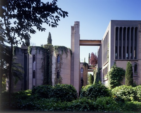 Ricardo_Bofill_Taller_Arquitectura_SantJustDesvern_Barcelona_Spain_OutdoorSpaces_(2)